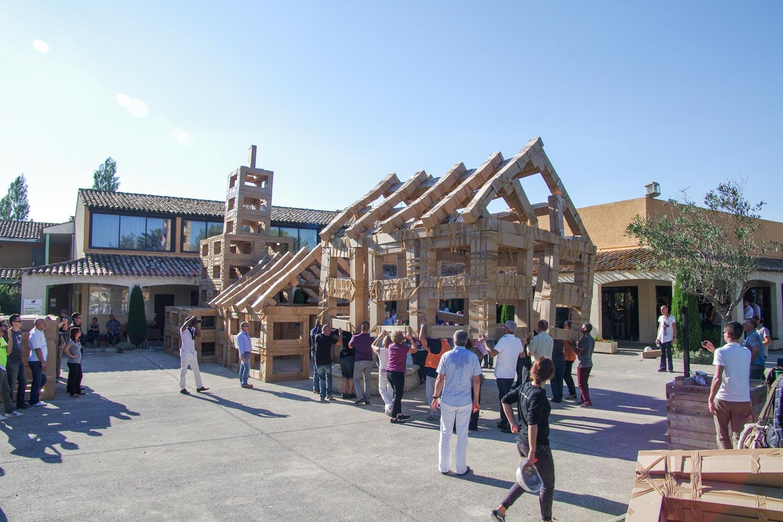 Team Building Construction en carton à Marseille-001